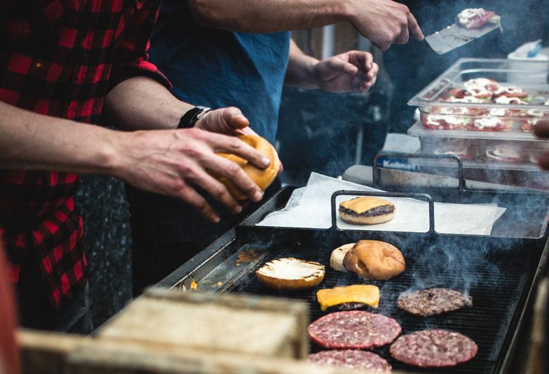 Broodje hamburger op een festival? Let goed op de volgende zaken